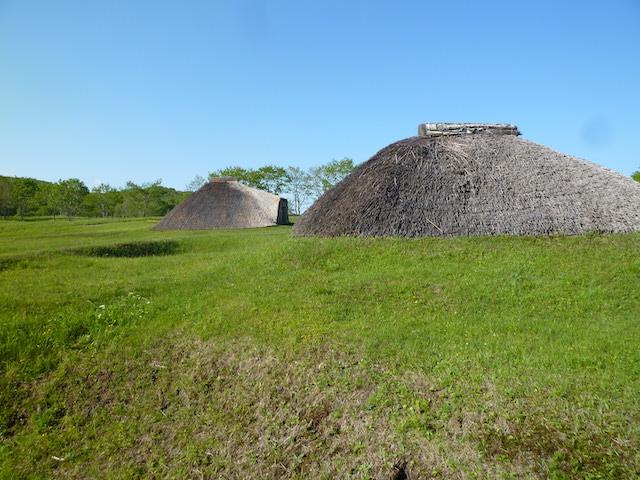 竪穴式復元住居